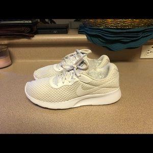 PreOwned Nike White Mesh Running Shoes Women's 8.5